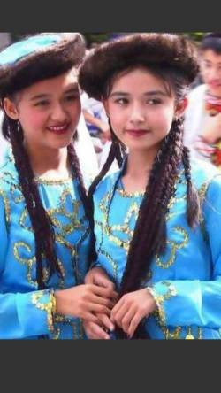 昔、東トルキスタンという美しい国がありました。