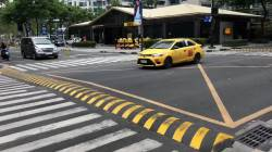 【動画】フィリピンには自動車事故がおきやすいと思われる横断歩道の前には強制的に自動車を減速させる工夫がある。
