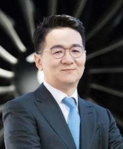 韓国マスコミ「新しい大韓航空会長の就任写真が旭日旗を連想させる背景」