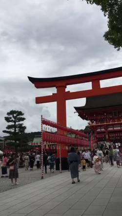 """【動画】京都の伏見稲荷で聞き覚えのある曲聞こえるなと思ったら尺八と三味線でけいおんの「Don't say """"lazy""""」だった"""