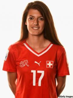 【悲報】サッカー女子スイス代表選手、湖に飛び込む→水深200メートル以上あり死亡