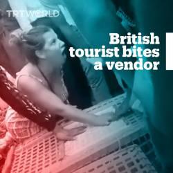 【動画】女性観光客さん、モロッコの市場でニワトリを売る人にガチギレ