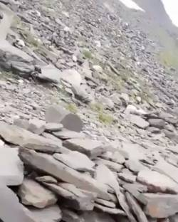 【動画】登山中の落石、しゃれにならない。
