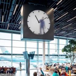 【豆知識】アムステルダムの空港にある時計は毎分ごとに中の人が手描きしている。