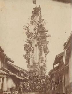 【画像】明治時代の山笠の山車の高さは狂気wwwwwwwwwwwwwwwwww