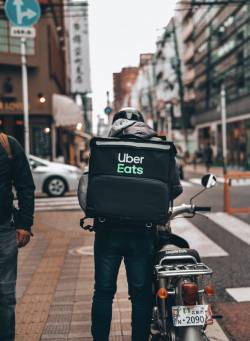 【画像】Uber eats、早速問題おこしてしまうwwwww