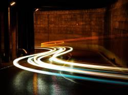 彡(゚)(゚)「なんやコイツ車間距離近すぎやろ・・・せや、急ブレーキ踏んだろ!w」