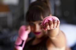 【pickup】【動画】女さん「あたしボクシング習ってるから強いよw 試してみる?」→結果wwwwwwww