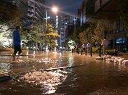 【pickup】【悲報】冠水した武蔵小杉駅と仙台駅の水の色の違いがヤバイと話題に