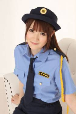 【pickup】警察「君スピード違反だよ」 俺「いや前の車に付いて行ってただけだから前の車もスピード違反じゃないですか」